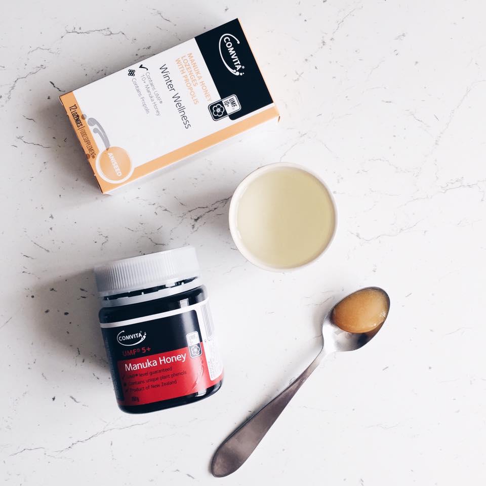 4 beneficii ale mierii de Manuka