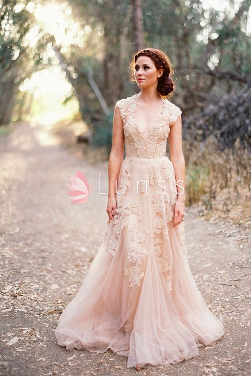 16 dreamy wedding dresses for the bride, bridesmaid & guests
